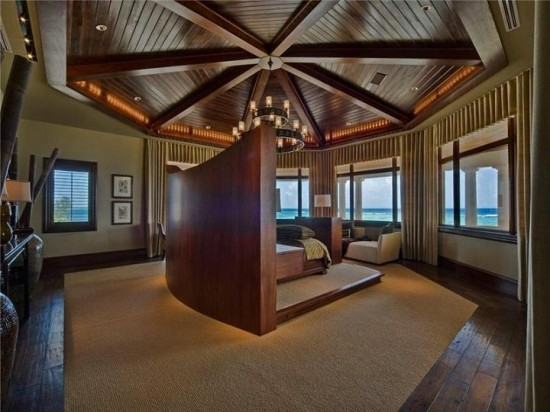 incredible-master-bedroom-bed-in-the-middle-550x412