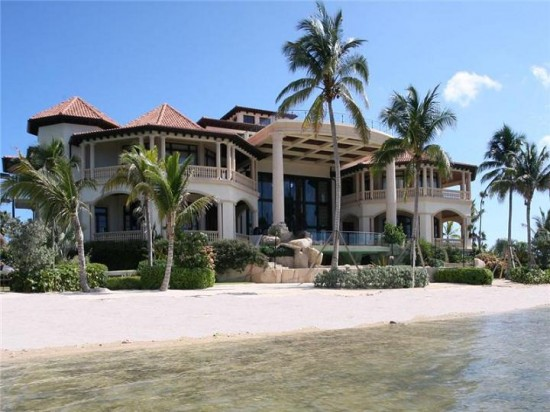 mansion-on-the-water-castillo-caribe-cayman-550x412