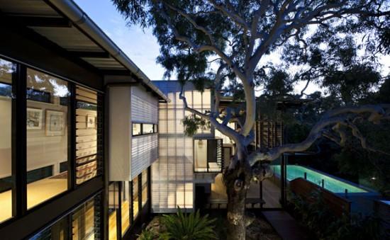 marcus-beach-house11-550x339