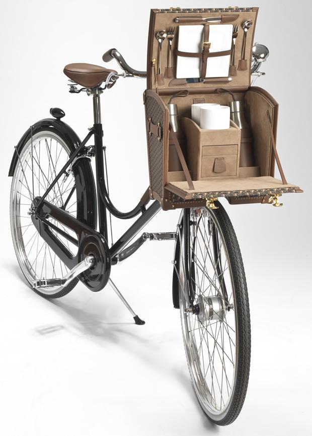 moynat_presenta_una_cesta_para_bicicleta_ideal_para_ir_de_picnic_3