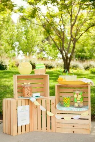lemonade2_stand1-550x825