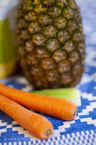Smoothie de apio, zanahoria y piña