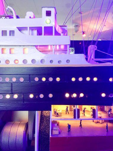 detalle interno de la maqueta del Titanic