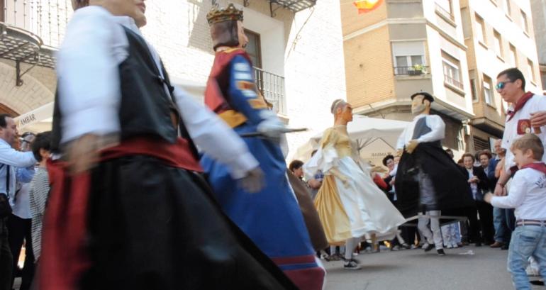 Fiestas de Tauste gigantes y cabezudos