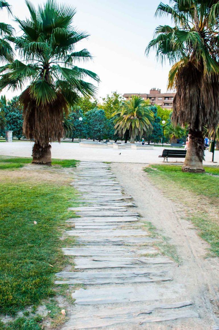 Caminos secretos del Parque de la Aljaferia en Zaragoza
