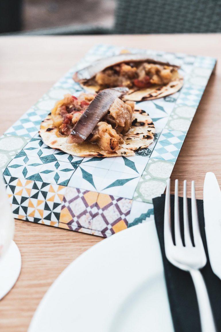 Tacos de la Terreta con atun y sardina en 8 de Tapes en Altea