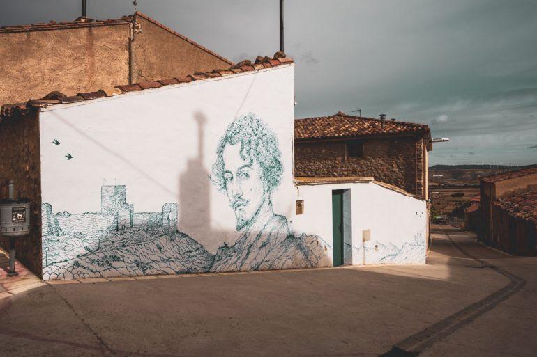 Mural dedicado a Bécquer en Trasmoz | La maleta extraviada