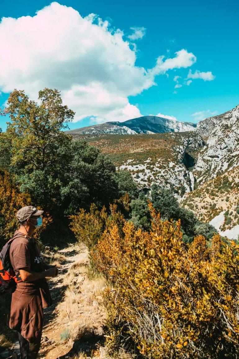 Haciendo ecoturismo con Aragonea en Rodellar por sus senderos botánicos | La maleta extraviada