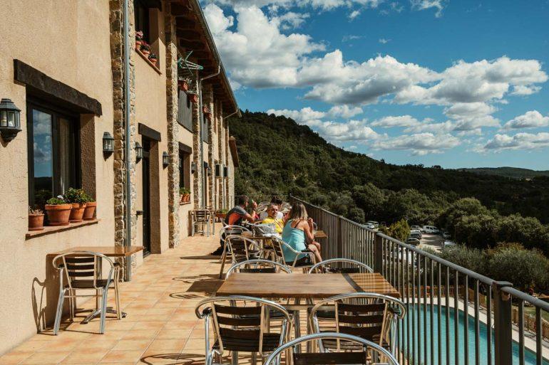 Terraza con vistas del Apartahotel Valle de Rodellar | La maleta extraviada