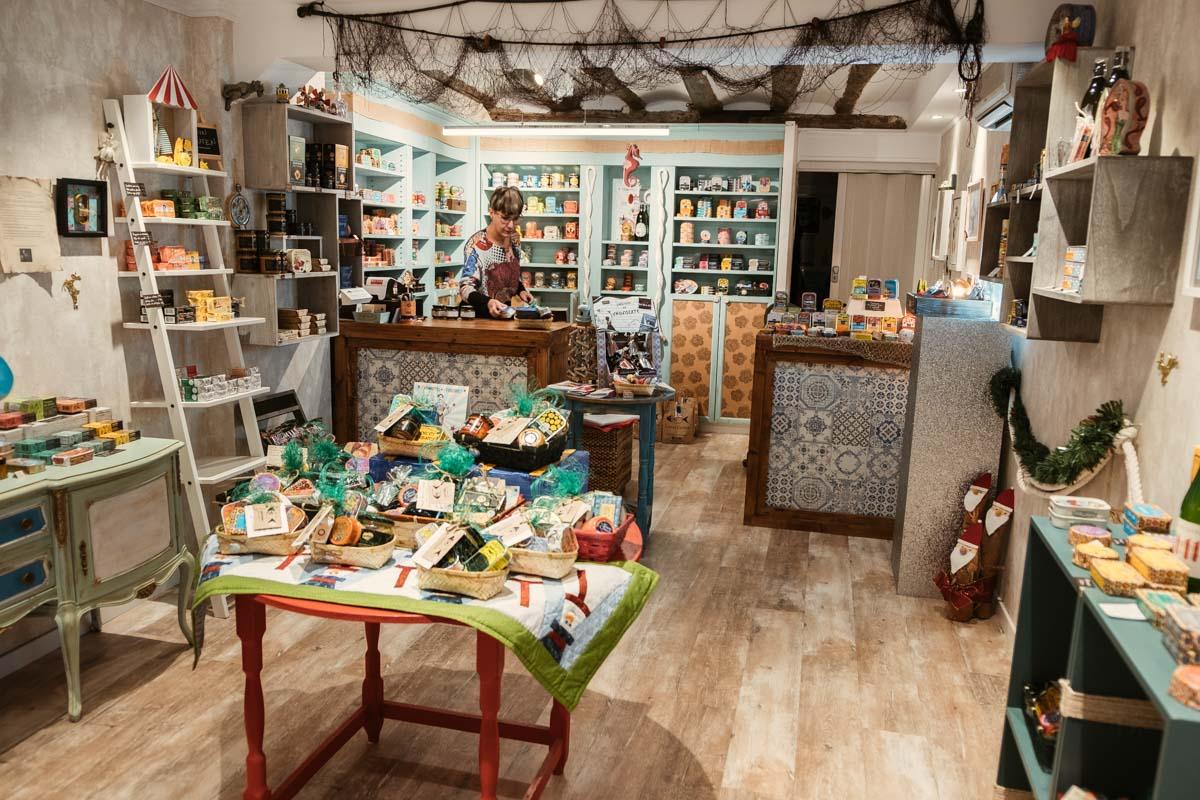 Latastienda, tienda de conservas originales en Zaragoza | La maleta extraviada